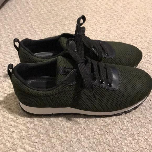 Women s Prada sneakers. M 5bc50a10aaa5b8b4d9c30e78 91f3140f76